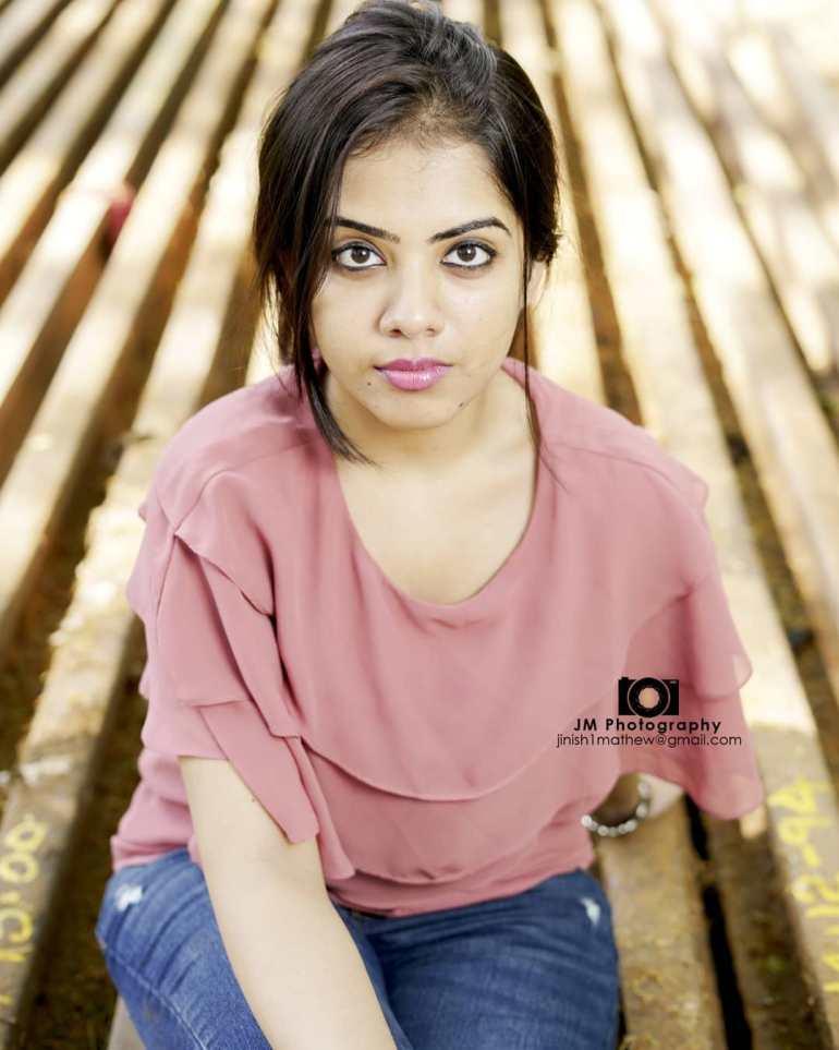 Vidhya Vijayakumar Stunning Photos, Biography, Wiki, Husband, Family, Instagram 6