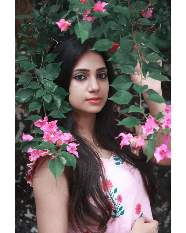 20+ Beautiful Photos of Gopika Anil 87
