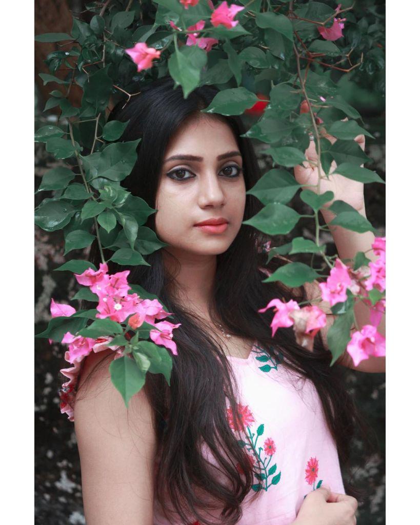 20+ Beautiful Photos of Gopika Anil 4