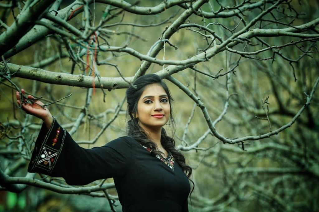 20+ Beautiful Photos of Gopika Anil 7