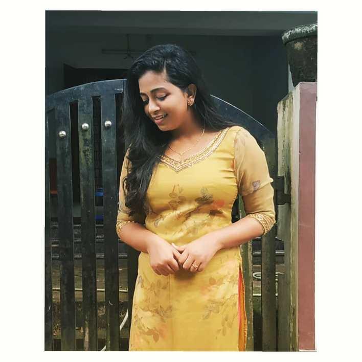 Sneha Babu Wiki, Biography, Age, Boyfriend, Movies, webseries and Beautiful Photos 10