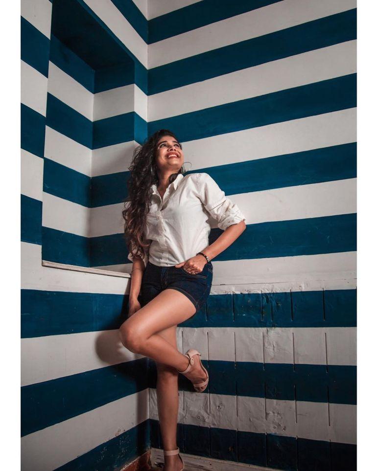 Alexandra Johnson (Big boss Malayalam) Wiki, Age, Biography, Movies, web series, and Gorgeous Photos 58