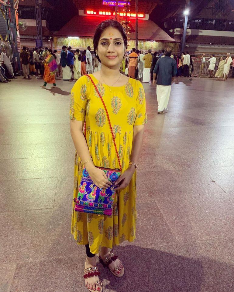 20+ Beautiful Photos of Gopika Anil 100