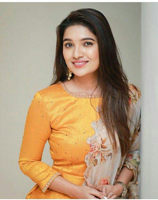 42 HD Beautiful Photos of Vani Bhojan 113