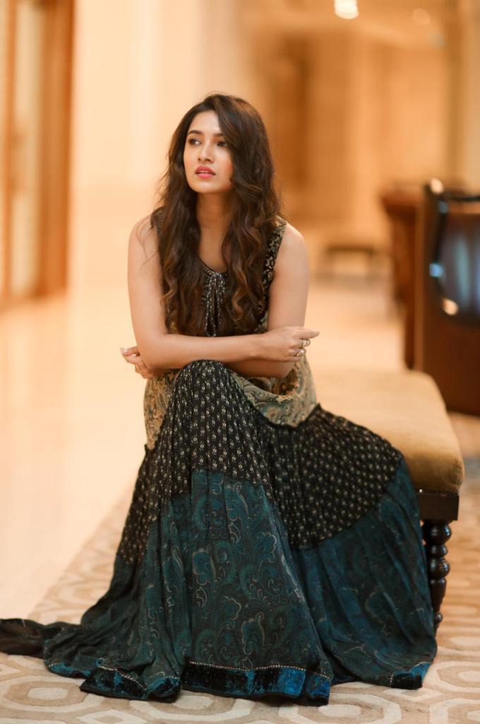 42 HD Beautiful Photos of Vani Bhojan 122