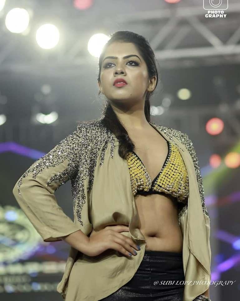 Vidhya Vijayakumar Stunning Photos, Biography, Wiki, Husband, Family, Instagram 22