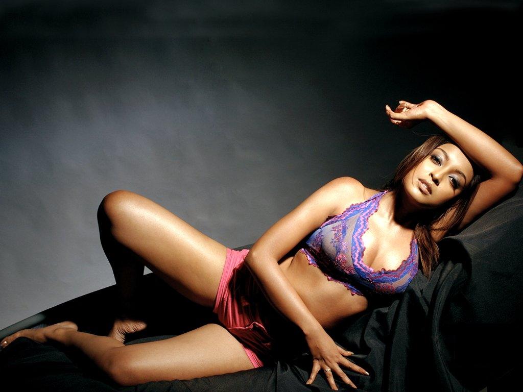 28+ Beautiful Photos of Tanushree Dutta 10