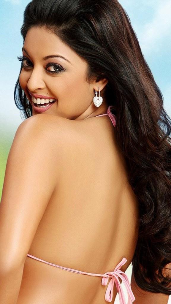 28+ Beautiful Photos of Tanushree Dutta 97