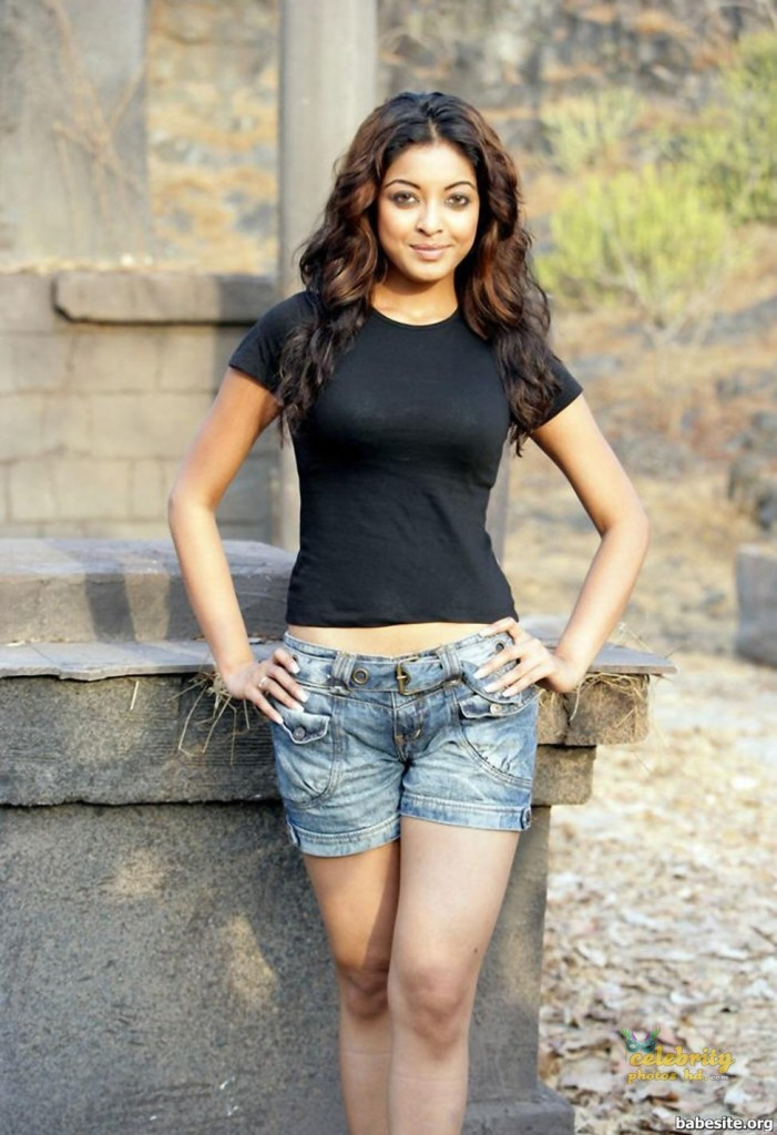 28+ Beautiful Photos of Tanushree Dutta 68