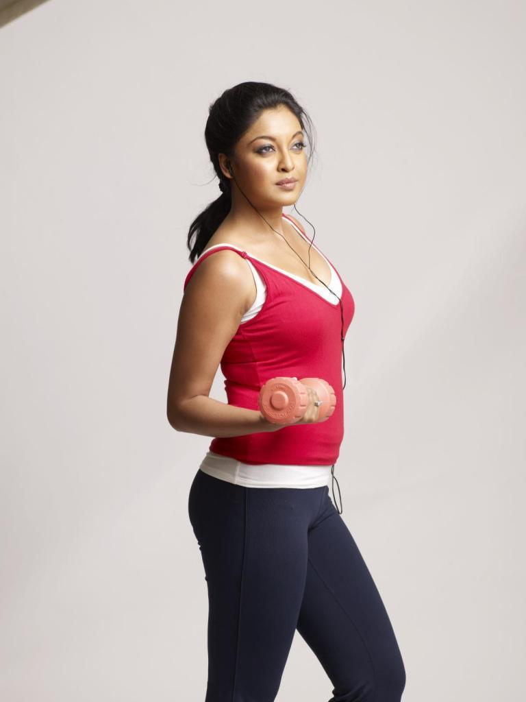 28+ Beautiful Photos of Tanushree Dutta 90