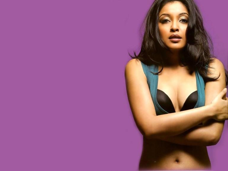 28+ Beautiful Photos of Tanushree Dutta 92