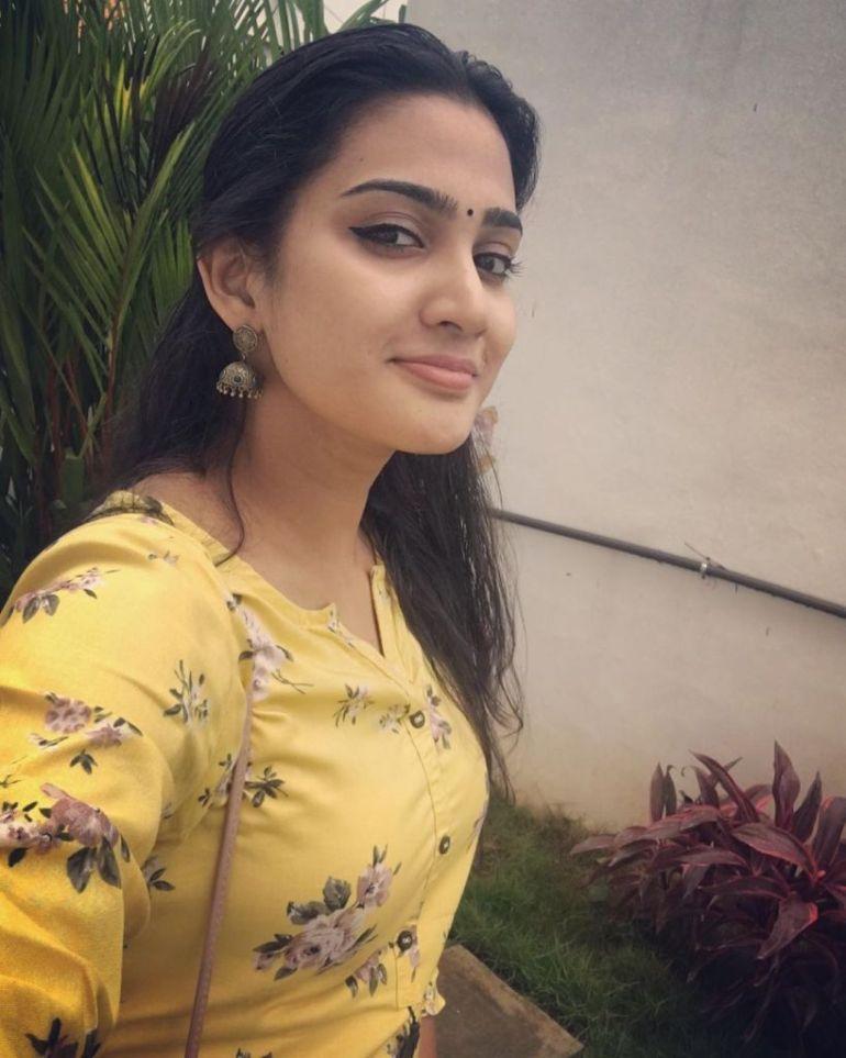 57+ Cute Photos of Aditi Ravi 13