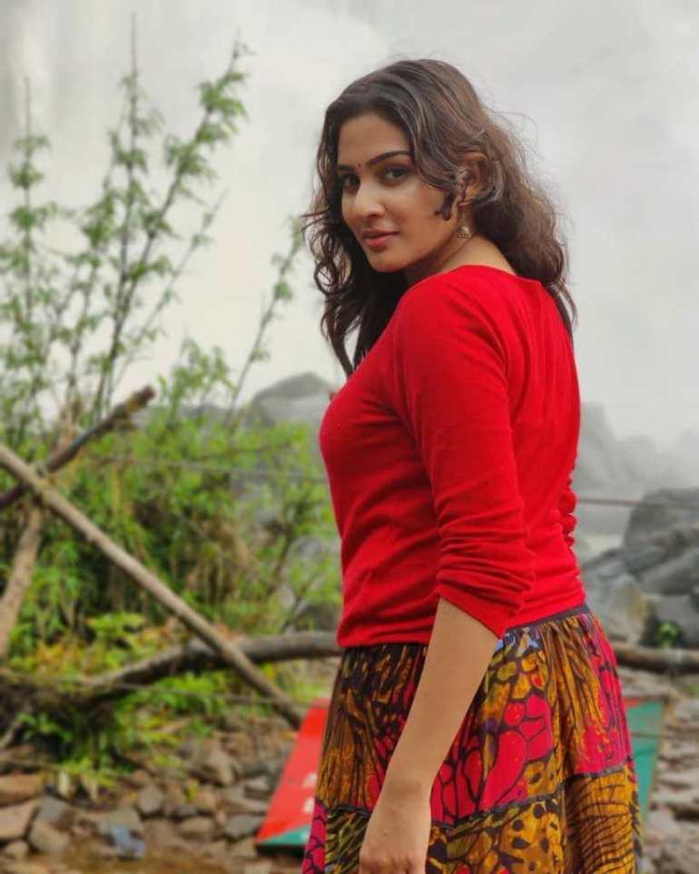 57+ Cute Photos of Aditi Ravi 23