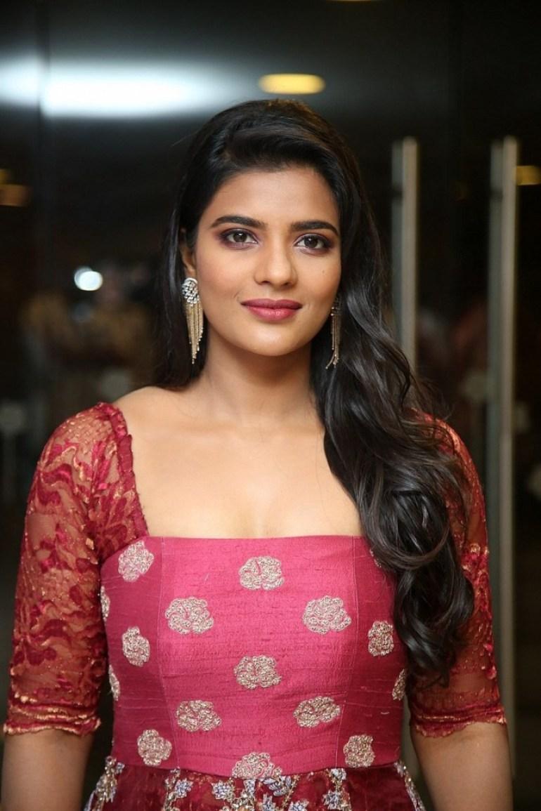 37+ Gorgeous Photos of Aishwarya Rajesh 18