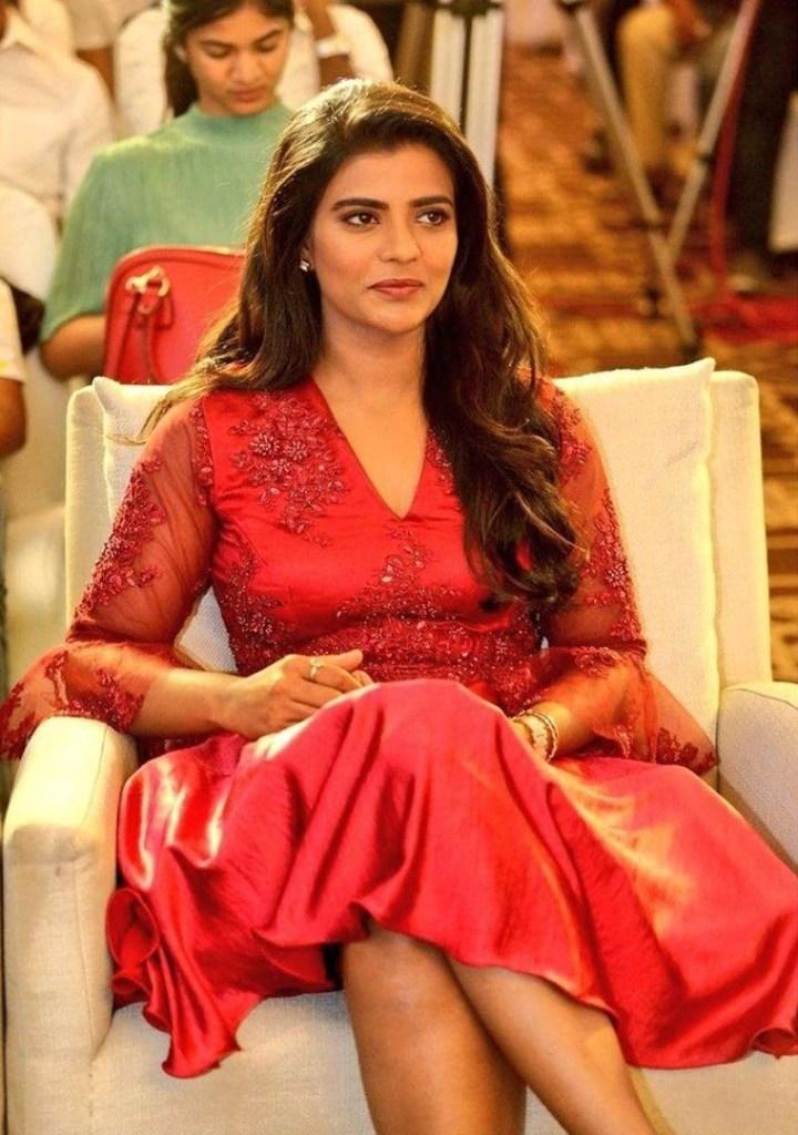 37+ Gorgeous Photos of Aishwarya Rajesh 9