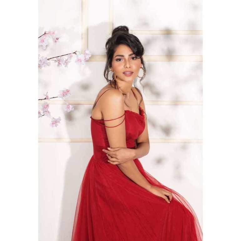 60+ glamorous Photos of Aishwarya Lekshmi 107