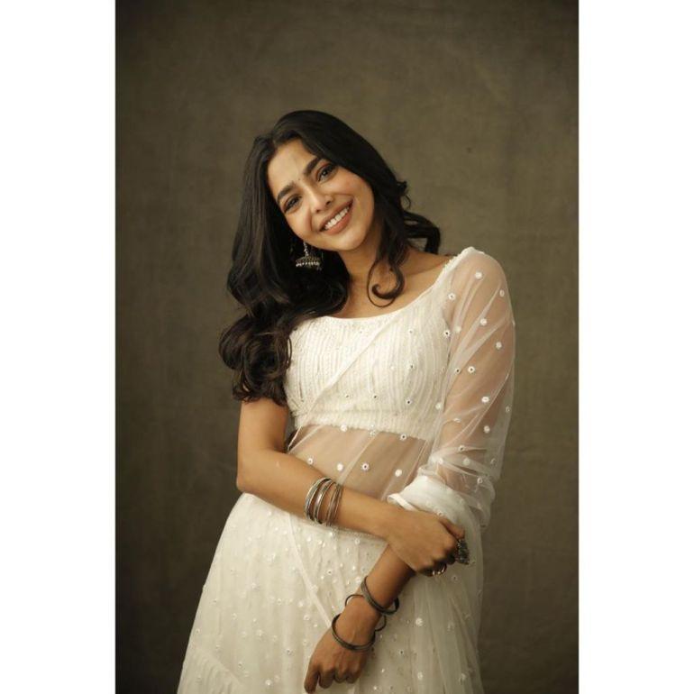 60+ glamorous Photos of Aishwarya Lekshmi 110