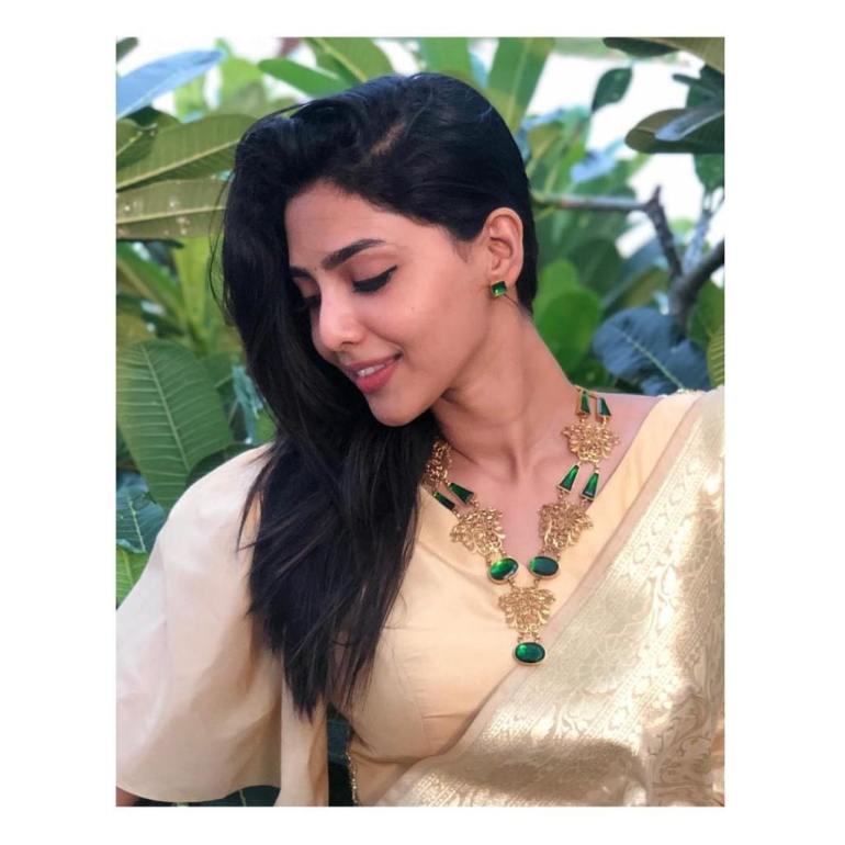 60+ glamorous Photos of Aishwarya Lekshmi 141