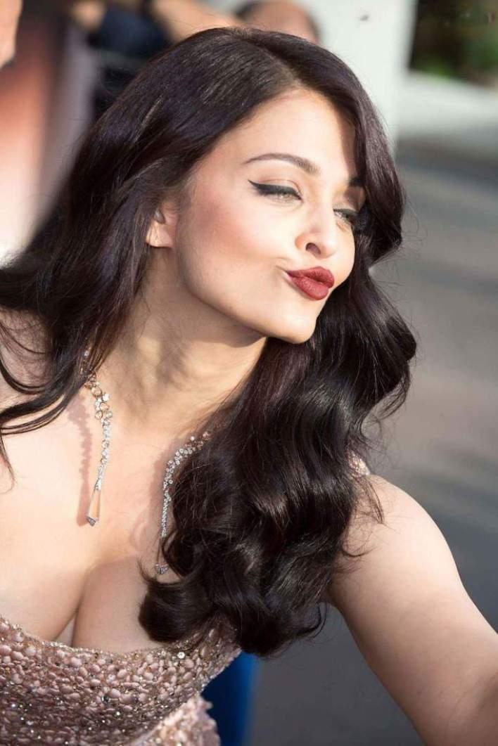 78+ Glamorous Photos Aishwarya Rai 67