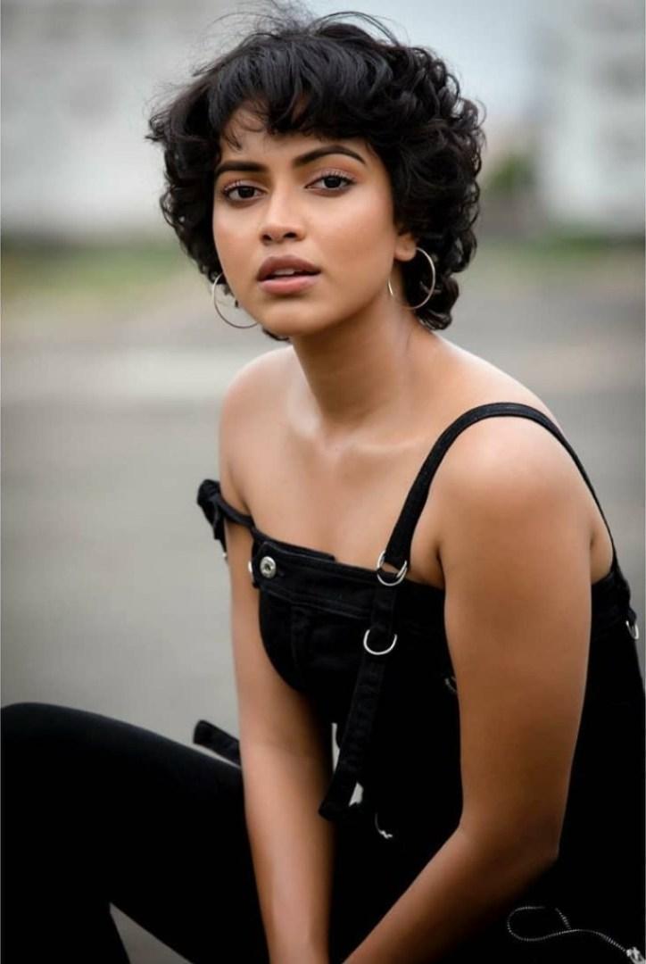39+ Glamorous Photos of Amala Paul 32