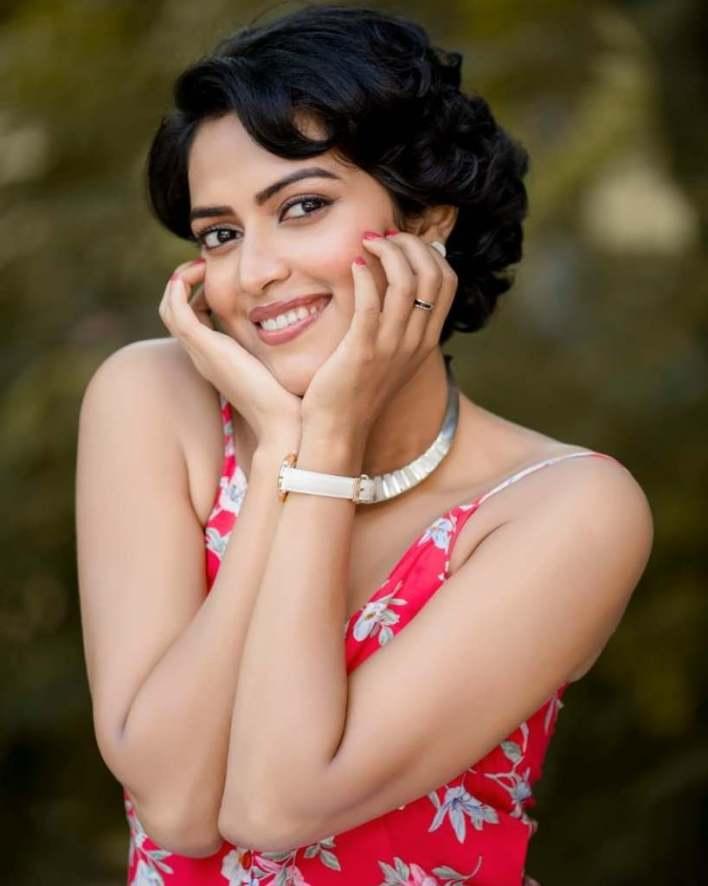 39+ Glamorous Photos of Amala Paul 11