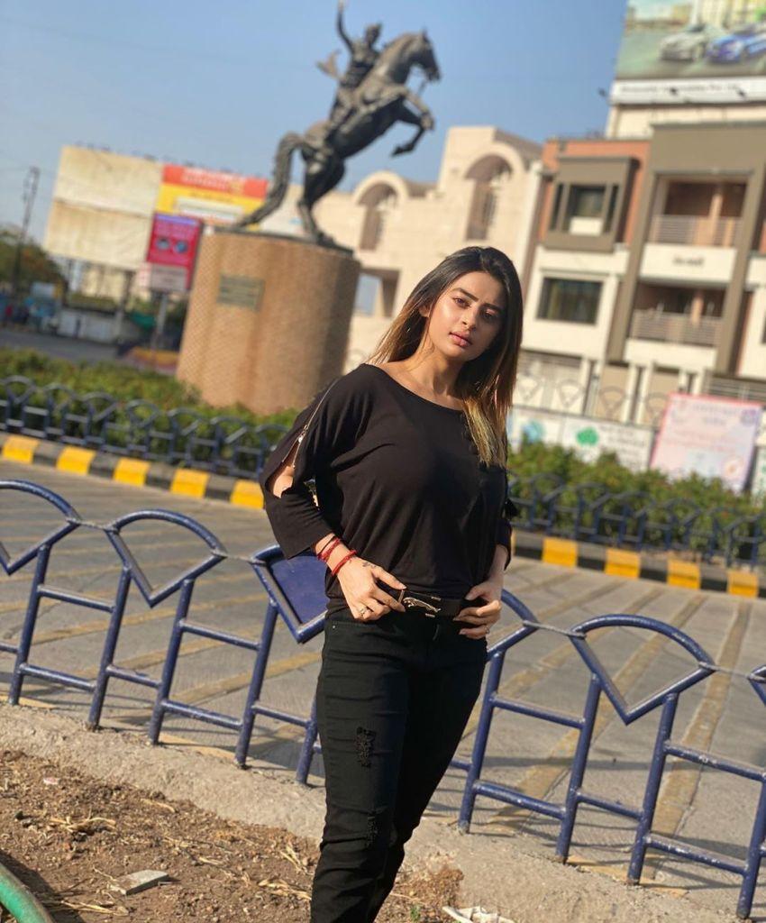 25+ Glamorous Photos of Ankita Dave 18