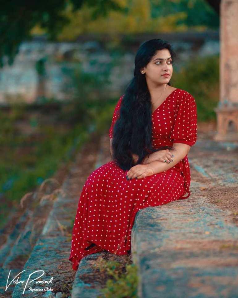 49+ Lovely Photos of Anu Sithara 90