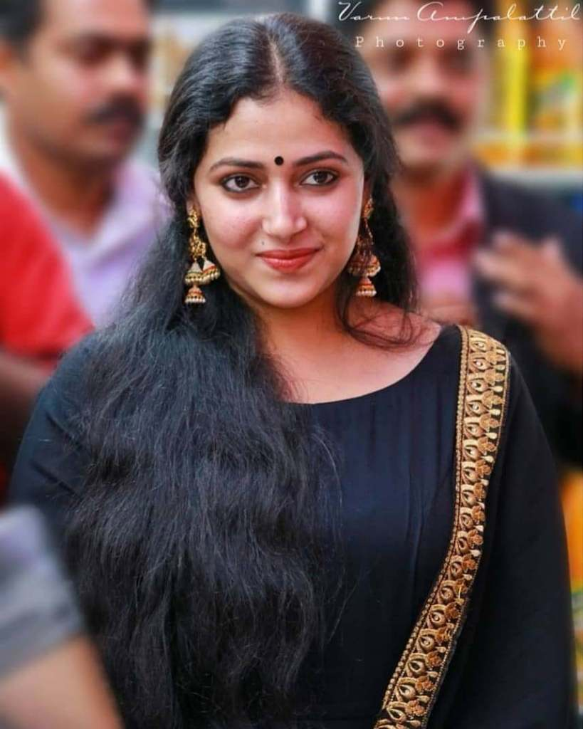 49+ Lovely Photos of Anu Sithara 9