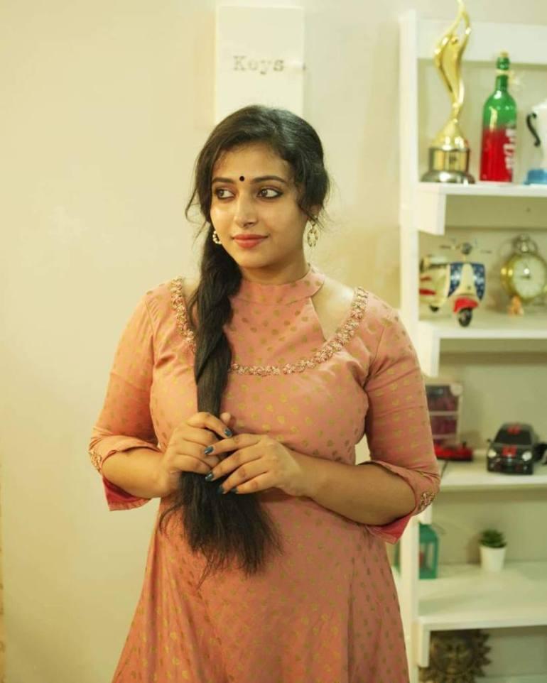 49+ Lovely Photos of Anu Sithara 118