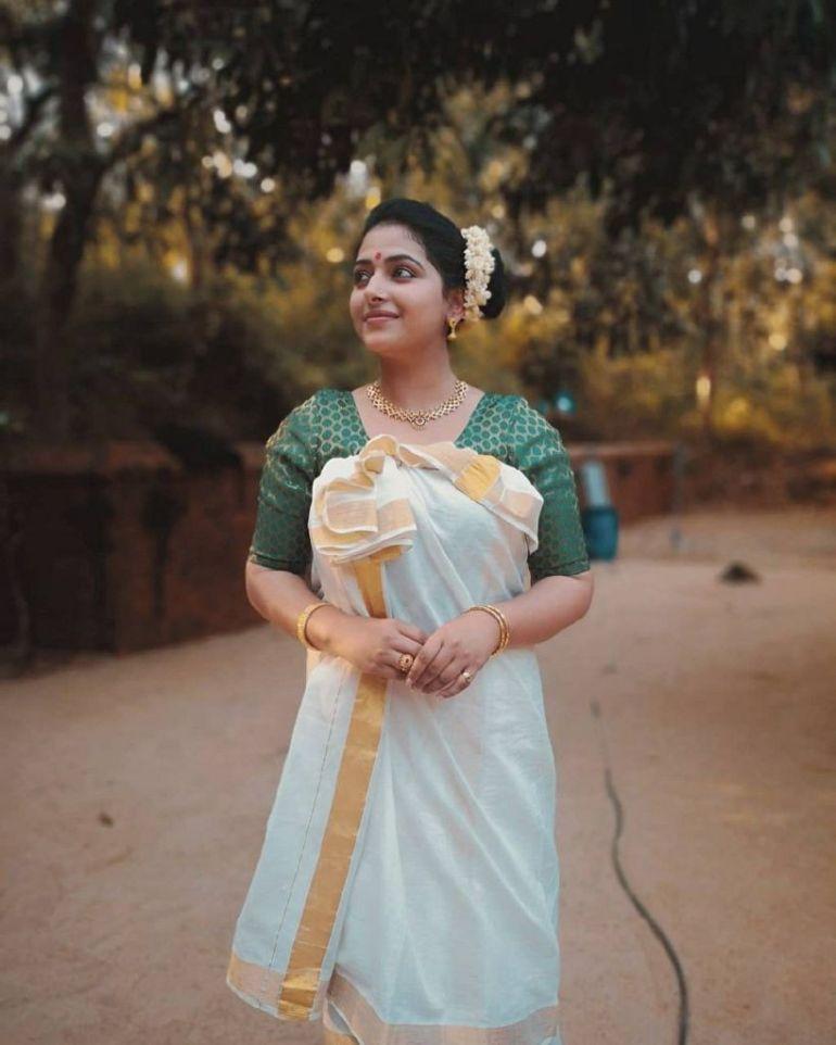 49+ Lovely Photos of Anu Sithara 125