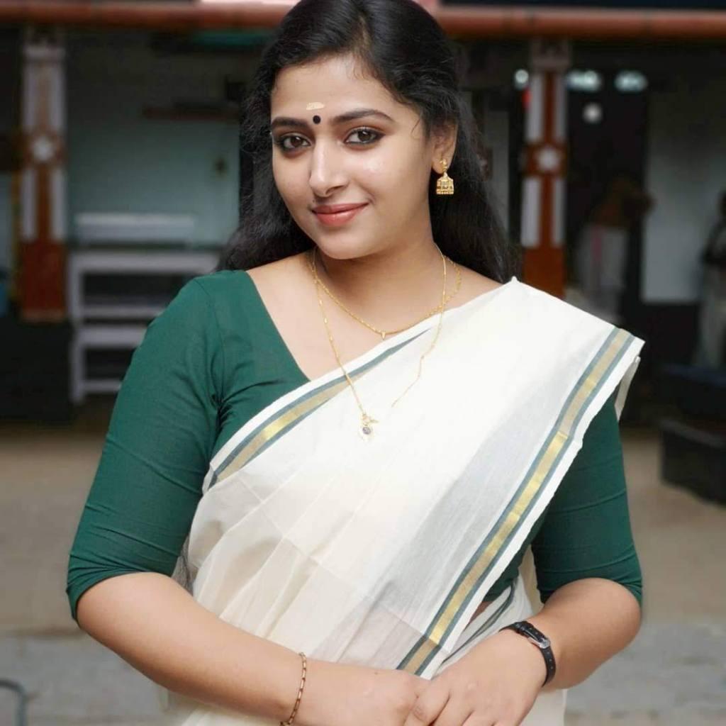 49+ Lovely Photos of Anu Sithara 14