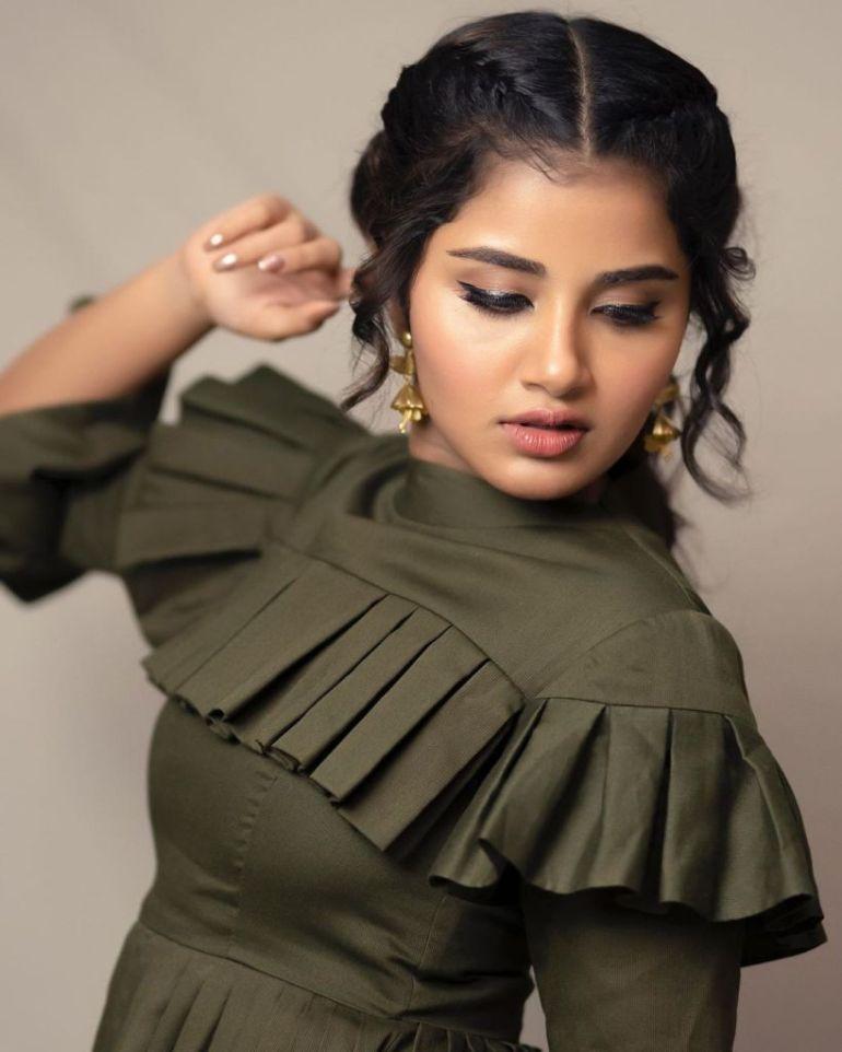 54+ Gorgeous Photos of Anupama Parameswaran 88