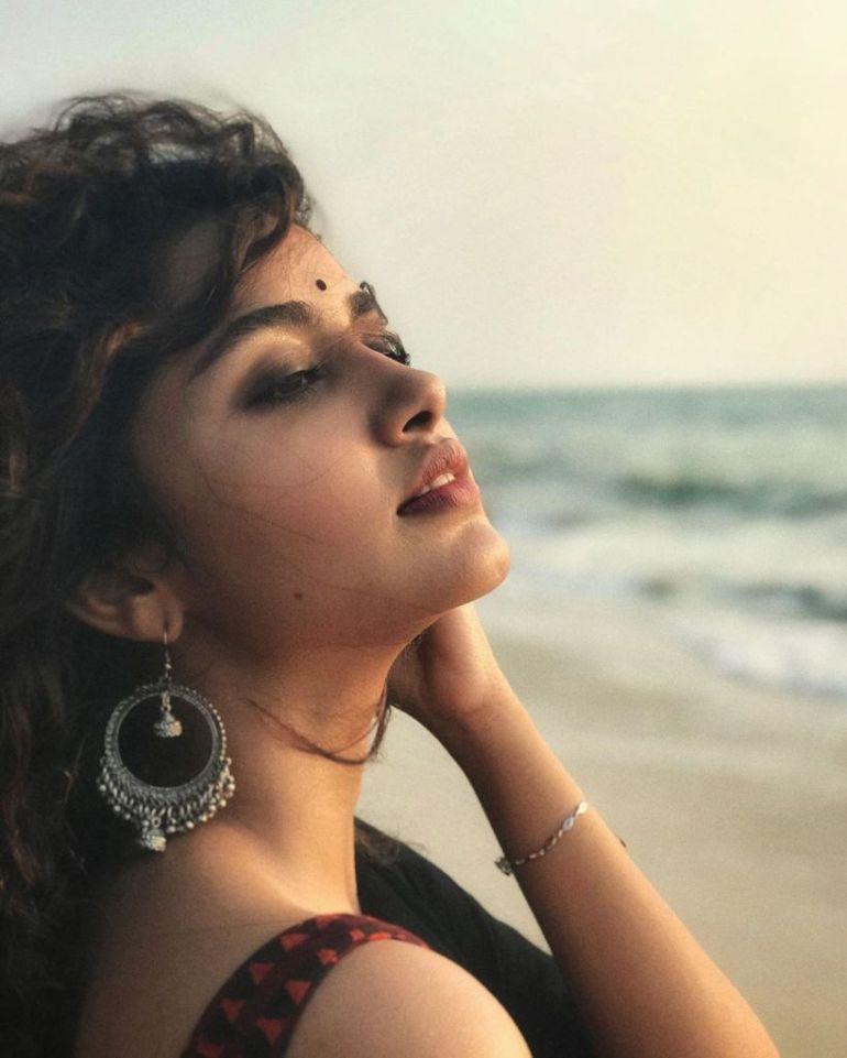 54+ Gorgeous Photos of Anupama Parameswaran 124