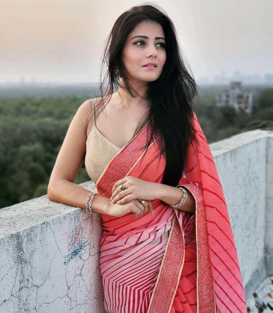 48+ Glamorous Photos of Archana Gupta 15