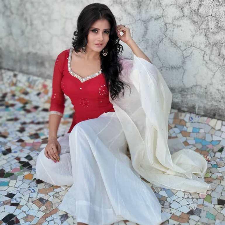 48+ Glamorous Photos of Archana Gupta 110