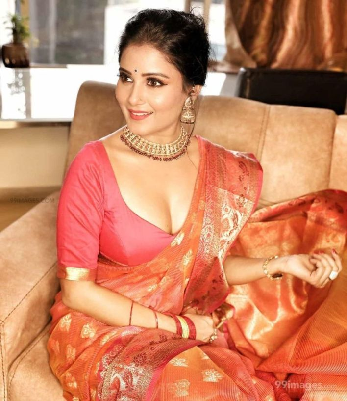 48+ Glamorous Photos of Archana Gupta 43