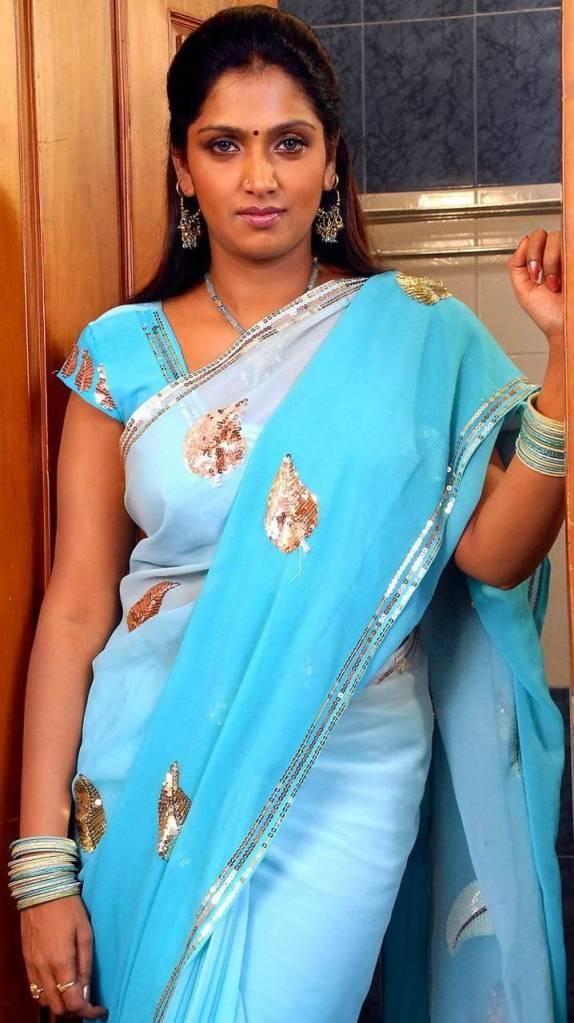39+ Glamorous Photos of Bhuvaneshwari 123
