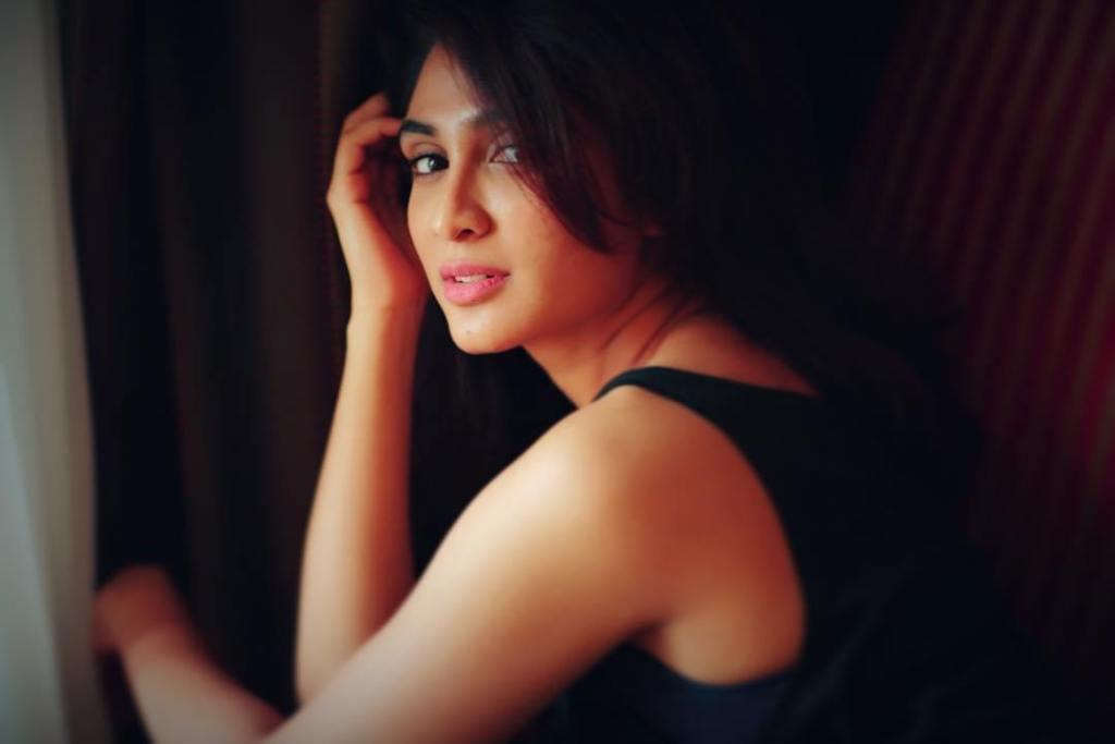 90+ Stunning Photos of Deepti Sati 13