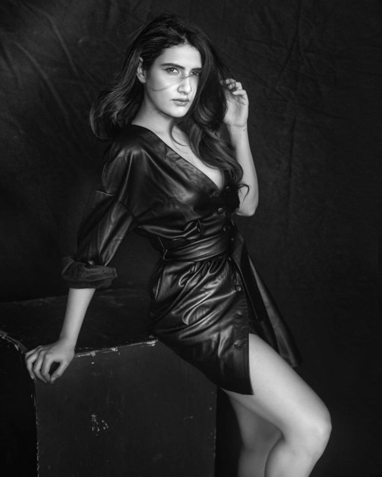 74+ Gorgeous Photos of Fathima Sana Shaikh 124