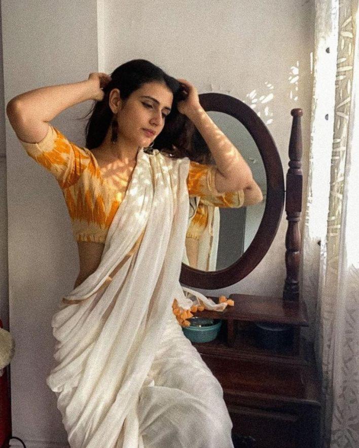 74+ Gorgeous Photos of Fathima Sana Shaikh 42