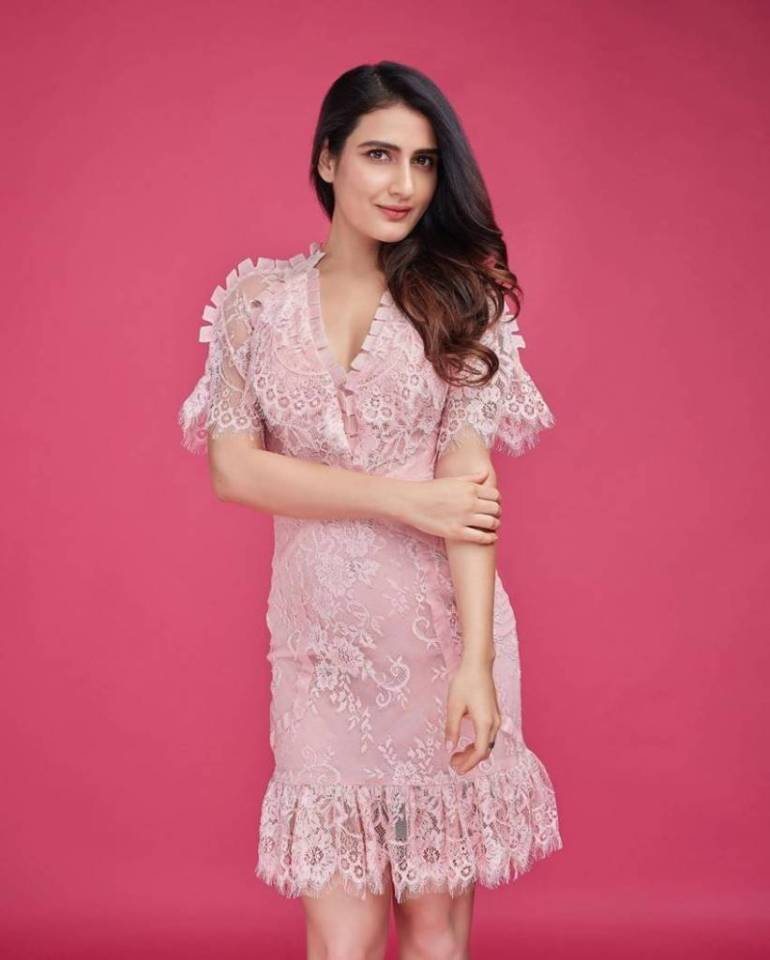 74+ Gorgeous Photos of Fathima Sana Shaikh 147