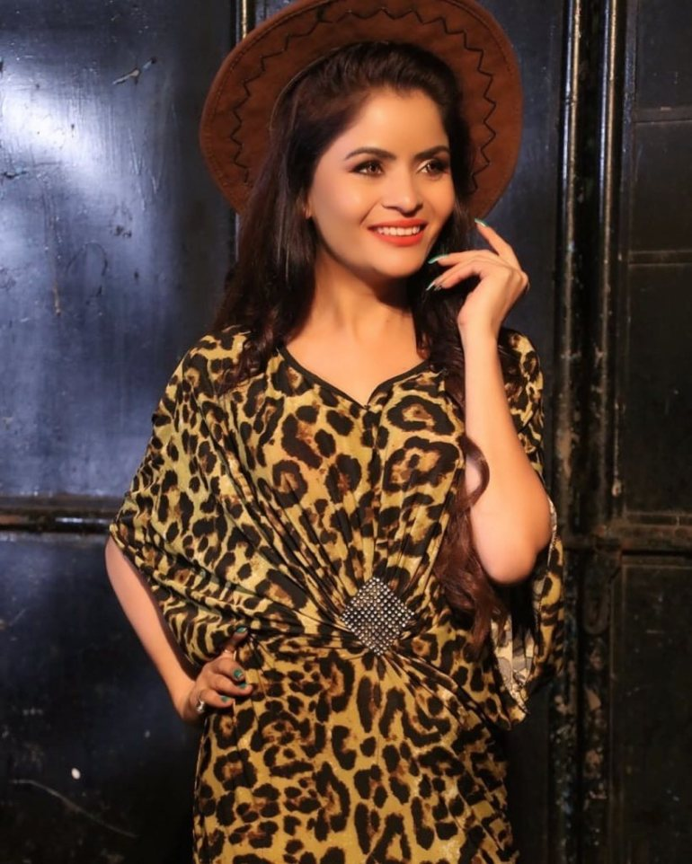 52+ Glamorous Photos of Gehana Vasisth 15