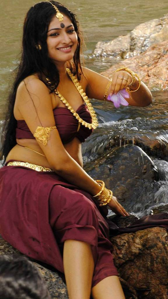 50+ Stunning Photos of Haripriya 109