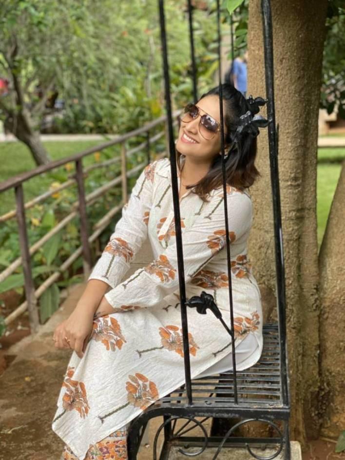 50+ Stunning Photos of Haripriya 32
