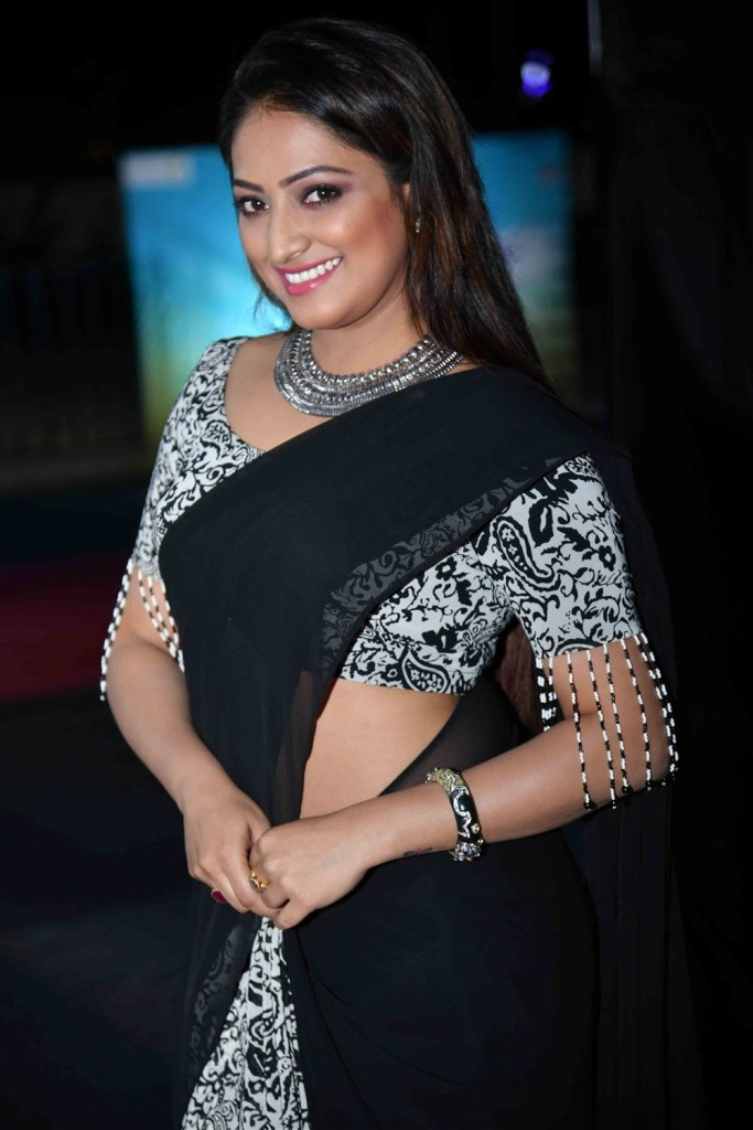 50+ Stunning Photos of Haripriya 49
