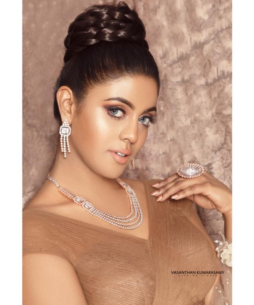 30+ Beautiful Photos of Iniya 5