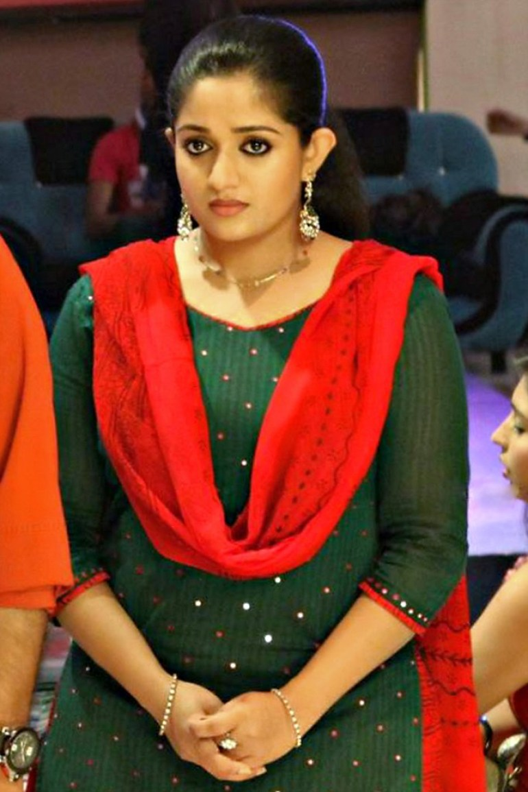 53+ Gorgeous Photos of Kavya Madhavan 25