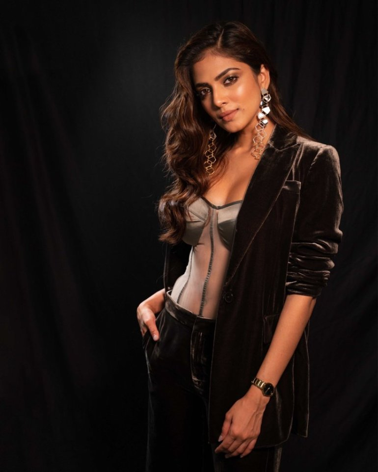 117+ Stunning Photos of Malavika Mohanan 137