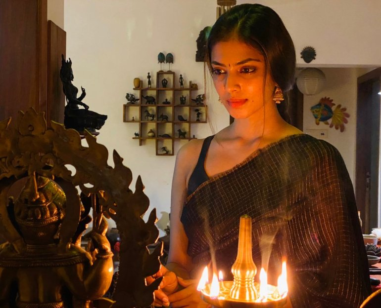 117+ Stunning Photos of Malavika Mohanan 200