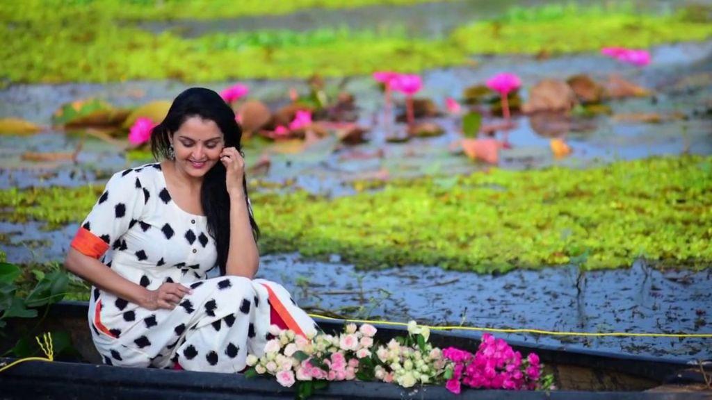 42+ Beautiful Photos of Manju Warrier 39
